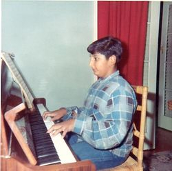 1970s Beginner pianist with potential?