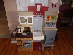Step 2 LifeStyle Heart of the Home Kitchen - $80