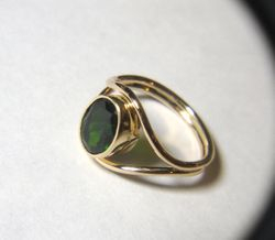 GREEN DIOPSIDE 14K GOLD RING