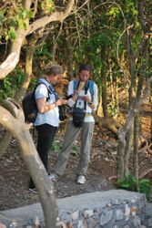 Two field primatologists at work: Fany Brotcorne and Anna Holzner (Uluwatu, south Bali, October 2015) (photo by Axel Michels)