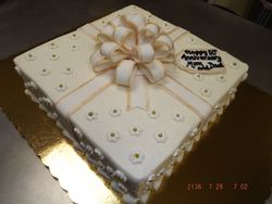 Gold trim with party bow $5/serving