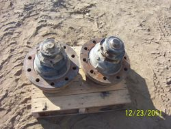 65A, 65B And 75A   Front Hub and Spindles