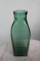 Butelis stiklinis 500 g. Kaina 6 Eur.