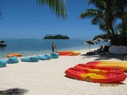 Pacific Resort, Rarotonga. Plage et sports nautiques