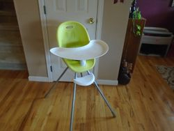 Phil & Teds Poppy Convertible High Chair ¿ Converts to Child Seat - $20