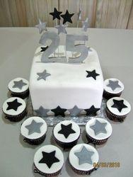 CAKE 17A2- You're A Star Cake & Cupcakes