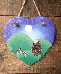 Small slate with a hedgepig