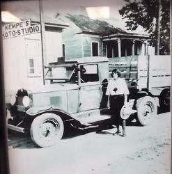 Kemp's Photo, Hempstead