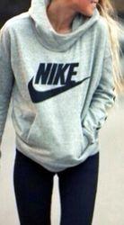 nike sweater -1.jpg