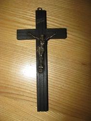 Pakabinamas kryzius. Kaina 10 Eur.