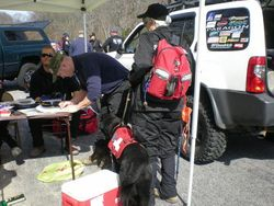 The IC giving instructions to Deb's Canine Team