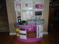 Step 2 Lil' Chef's Gourmet Kitchen - $80