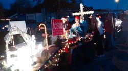 Christmas parade float    5