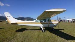 Cessna 182P VH-EKP