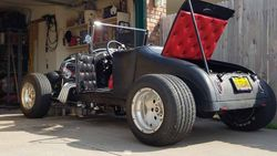 24.30 Ford Roadster