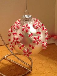 Peppermint Candy Pretty Posies Ornament (Item #4109) $37.50
