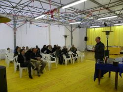 La sala durante la presentazione.......