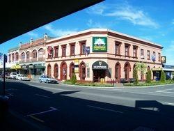 Churchills Pub before the Quake
