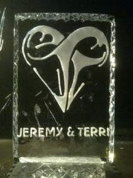 CUSTOM DESIGN WEDDING ICE SCULPTURE