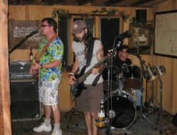 Old Mill Winery: band