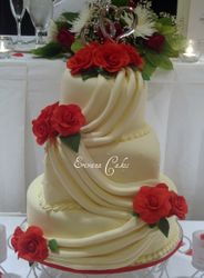 Red Roses Wedding Cake (W013)