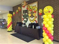 Emoji Balloon Columns with Arch