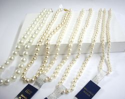Collares de perlas - Pearl necklaces