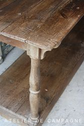#23/226 Oak Drapers Table detail