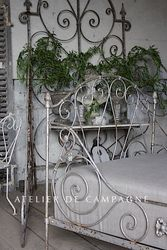 #27/234 LARGE IRON BED DETAIL