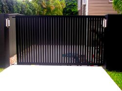 VERTICAL SLATTED SLIDING GATE