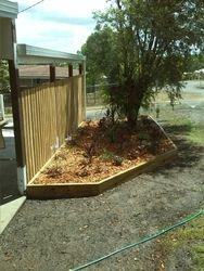 Leannes Garden Bed