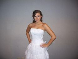 Lindsay at a bridal show