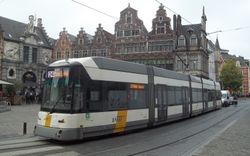 Siemens #6339 navigates Sint Veerleplein