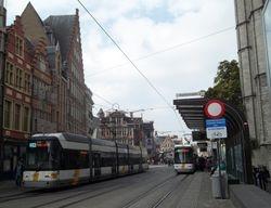 Siemens #6304 & #6324 alongside Sint-Niklaaskerk