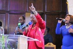 Rev. Jacqueline Mullings leading the worship experience