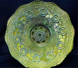 "Captive Rose 9"" plate, green"
