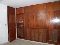 3 cuartos y un baños, biblioteca u oficina, sala, comedor, cocina, recibidor,