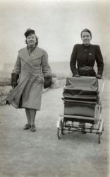 Margaret and Mamie in about 1940