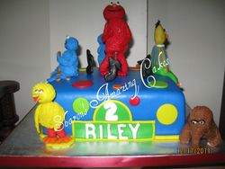 CAKE 39A2 -Sesame Street Cake 2