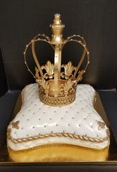 Queen's Crown on a Pillow Cake