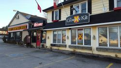 Rocky Mountain House restaurant in Renfrew, ON