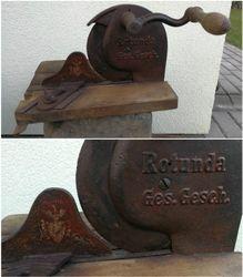 Antikvarine Kaizerio laiku duonos pjaustykle. Kaina 83