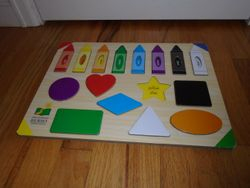 The Learning Journey Lift and Learn Colors and Shapes - $5
