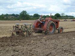 Case LA lpg & tumble bug plough