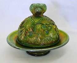 Acorn Burrs butter dish, green