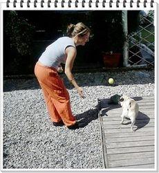 Jugando con nuestra dogsitter