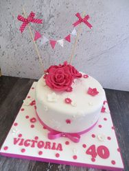 40th birthay rose and bunting cake