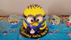 Minion2 Cake