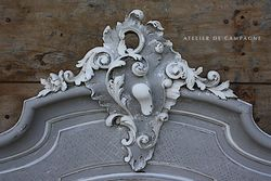 #29/293 LARGE FRENCH PEDIMENT DETAIL