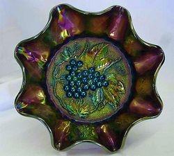 Heavy Grape ruffled master berry bowl, purple
